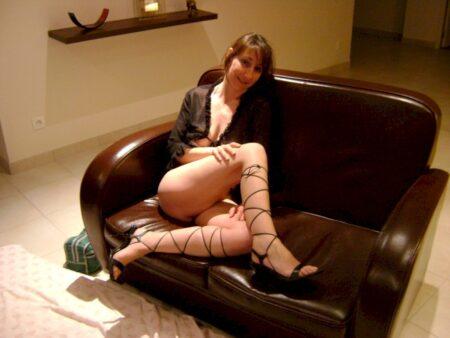 Cougar sexy soumise pour homme dominateur