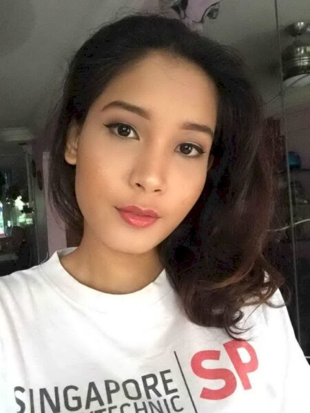 Une femme libertine asiatique de Nice qui se sent seule